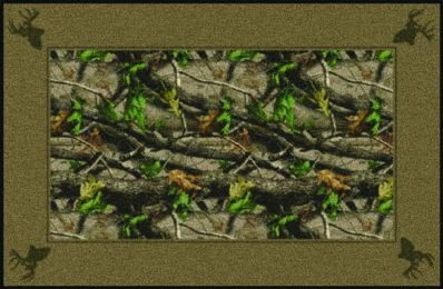Hardwoods Green Realtree Leaves & Bordered Camouflage Area Rug