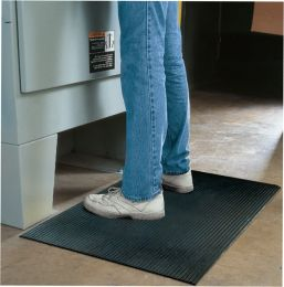 Perma-Walk Solid Ribbed Rubber Wet Area Mat