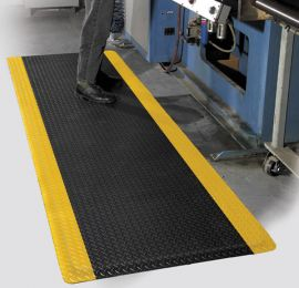 Beveled Ergonomic Diamond Foot Anti-Fatigue PVC Foam Mat