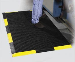 Grid-Step Modular Design Interlocking Tiles Wet Area Mat