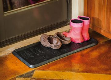 "Foot Print Embossed Rubber Boot Tray - 32"" x 16"" x 1"""