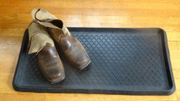 Quarterfoil Embossed Natural Rubber Boot Tray - 32 x 16 x 1